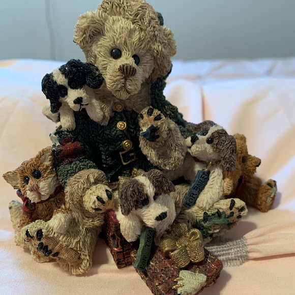 BOYDS BEARS Kringle and Company.